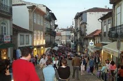 Abertura de comércio no Domingo de Páscoa 'chumbada' por maioria de proprietários