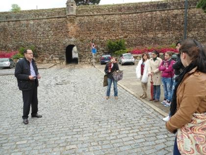 Município incentiva alunos a conhecer centro histórico da vila raiana