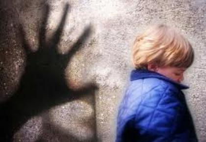 Catalina Pestana aborda estratégias de prevenção em jornadas sobre pedofilia