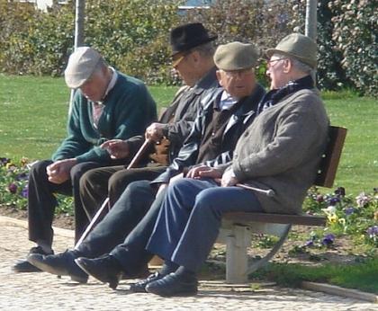 Cerca de 500 idosos dos cinco concelhos partilham convívio no Parque das Termas