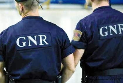 GNR detém dupla apanhada por populares em furto em residência