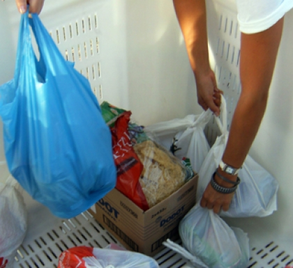 II Praxe Solidária: Caloiros da ESCE recolhem alimentos para ajudar loja social