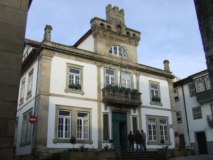 Câmara entrega poupança com o corte na iluminação pública às freguesias