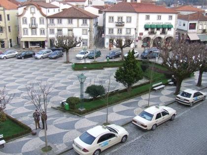 Feira de Artesanato e Velharias ganha vertente agrícola e muda de espaço para contrariar pouca adesão