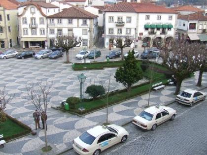 Praça central recebe Feira de Artesanato