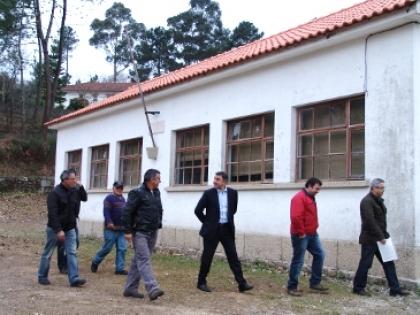 Antiga escola de São Julião vai ser a sede do rancho folclórico da terra