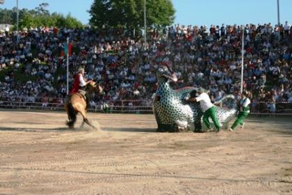Combate entre S. Jorge e a Coca: Autarquia prevê maior adesão apesar de corte de feriado