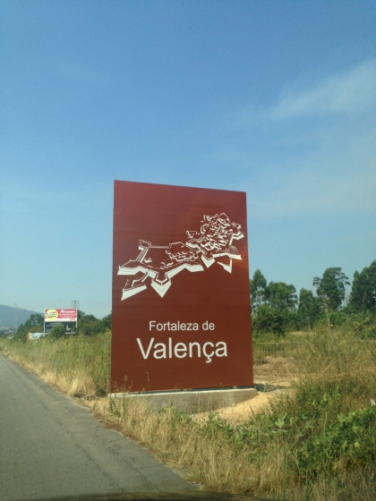 Executivo reforça sinalética turística na auto-estrada que liga Vigo e Braga