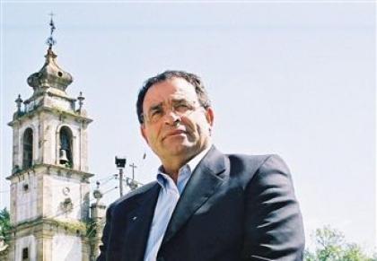 José Emílio Moreira exige
