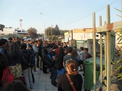 'Conflito' para eleição de Associação de Estudantes despoleta manifestação contra irregularidades