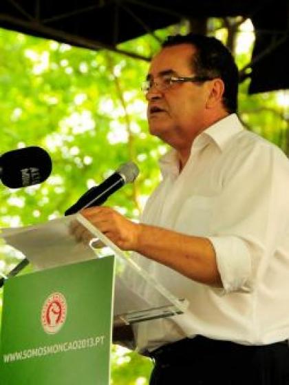 Assembleia de Apuramento Eleitoral reduz vantagem do PS sobre PSD em 3 votos.