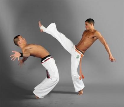 Aulas de capoeira são novidade no plano de atividades de associação