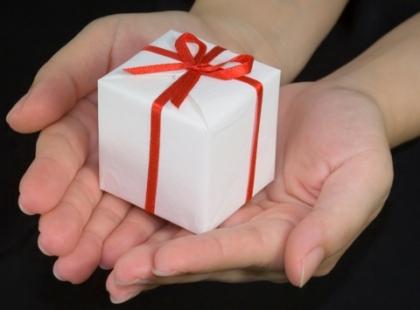 JS distribui brinquedos a crianças desfavorecidas. Forte adesão da população permite criar stock