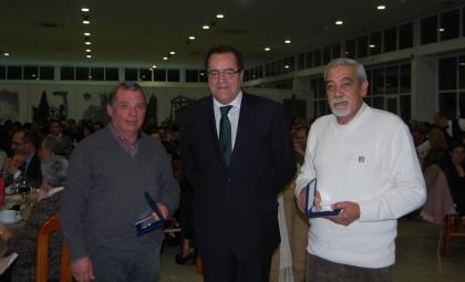Autarquia distinguiu quatro funcionários aposentados em 2013