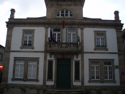 Câmara admite possibilidade de estar a ser vendida no concelho lampreia não genuína
