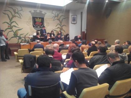 Assembleia Municipal recusa alta tensão nas freguesias e chumba retirada do Tribunal