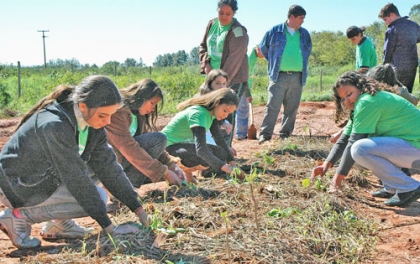 Vereadora da Juventude desafia jovens a apostar na agricultura