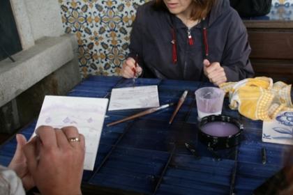 Jovens estrangeiros pintaram azulejos na Casa Museu de Monção