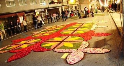 Funcionários da Câmara de Monção decoram rua de Ponteareas