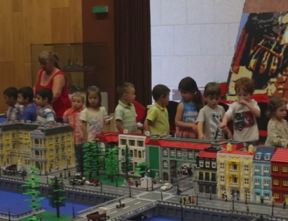 Paredes de Coura quer 'encaixar' estatuto de capital da Lego na região