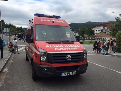 Paredes de Coura: Acidente inutiliza nova ambulância dos bombeiros