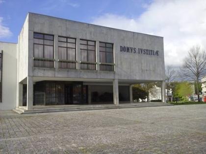 Paredes de Coura: Ministra anuncia reabertura do Tribunal