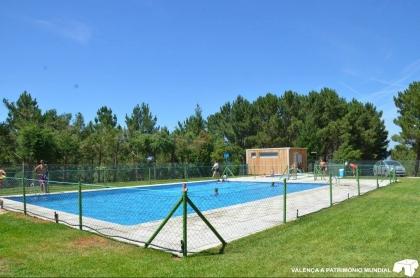 Valença com duas piscinas de acesso grátis durante o Verão