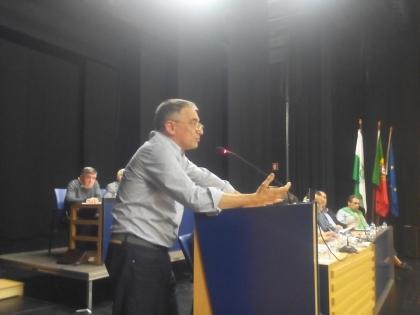 Monção: PSD preocupado com estado do pavimento - Augusto Domingues diz que 'Monção não é a Síria!'