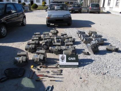 GNR apreende material furtado em fábrica de Santa Marta e identifica dois suspeitos