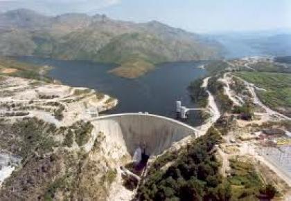 Seca: Alto-Lindoso tem metade da água de há um ano mas continua a produzir eletricidade