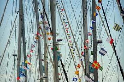 Dezenas de veleiros juntam-se no concelho se estiver garantida segurança da barra