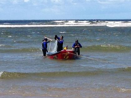 Buscas a pescador desaparecido retomadas às 11:00