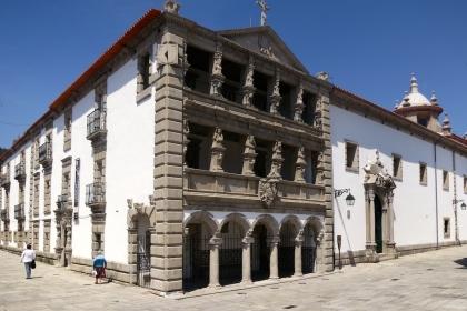 Pintura com quase 300 anos em restauro por 11.000 euros pela Misericórdia