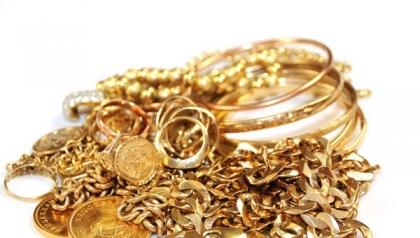 Duas lojas de compra de ouro usado de Viana assaltadas em 15 minutos