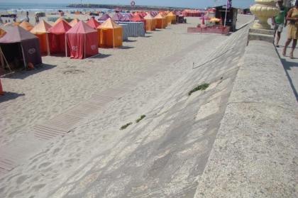 Município colocou novas passadeiras de praia em Vila Praia de Âncora