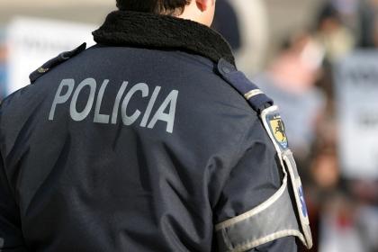 Dois homens apanhados com 200 doses de cocaína