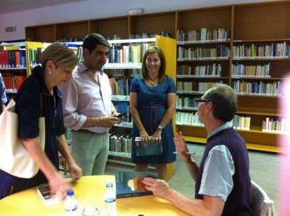 Caminha: Biblioteca Municipal encheu para conversar com Richar Zimler