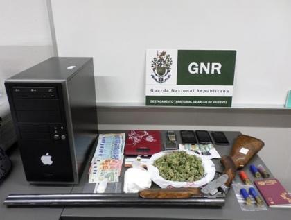Ponte da Barca: GNR deteve homem suspeito de tráfico de droga - Apreendidas 154 doses de haxixe