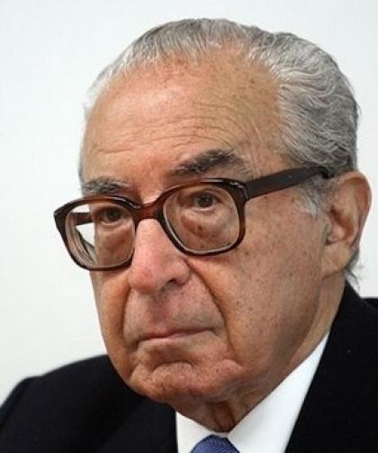 País: Morreu Almeida Santos