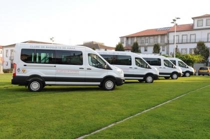 Viana: Município entregou carrinhas para clubes desportivos