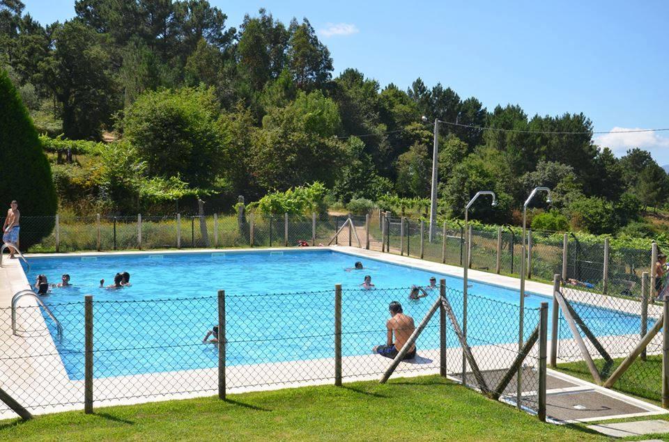 Valen a piscina de boiv o com entrada gr tis at final de for Entrada piscina